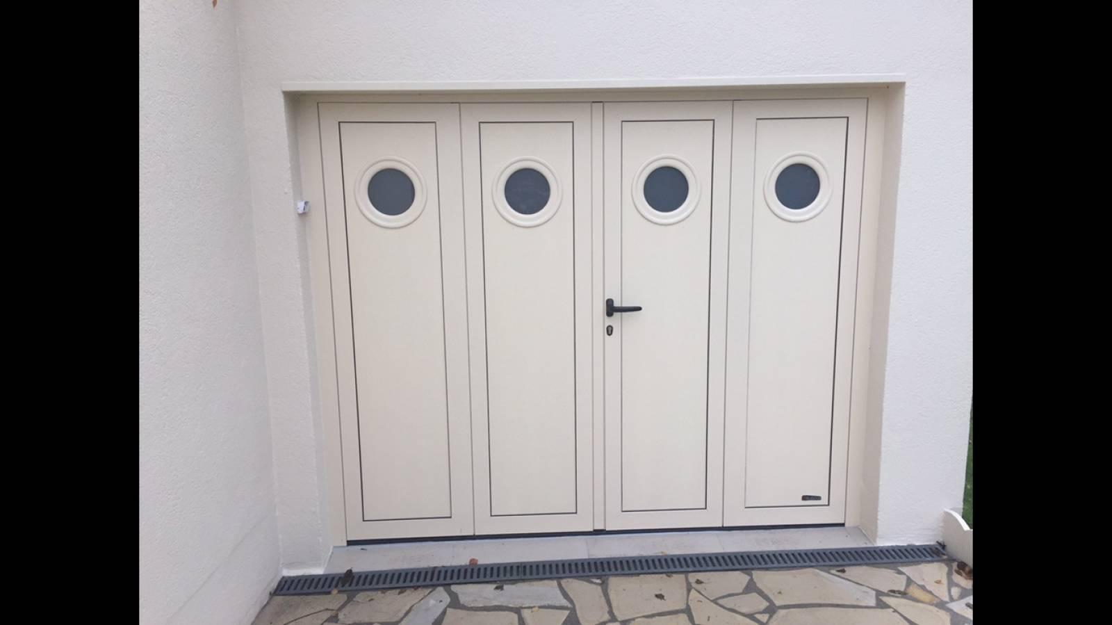 Vente et pose de porte de garage de qualit proche bolbec for Porte de garage pose en tunnel